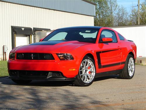 Mustang Boss C Stripe Gloss Black (10-12)