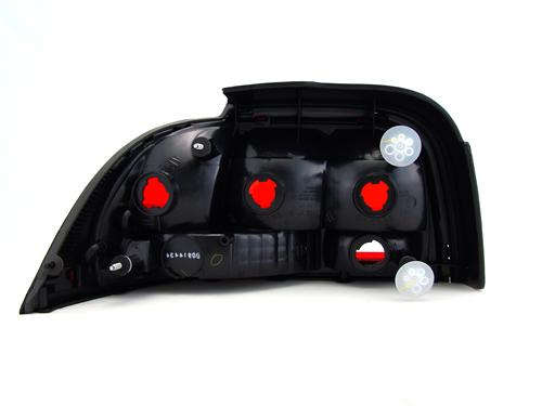 Mustang RH Tail Light Assembly (96-98)