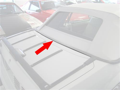 83-93 MUSTANG CONVERTIBLE CENTER LOWER WELL MOLDING