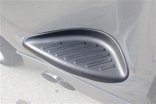 SVT Lightning RH Front Bed Step Cover (99-04)